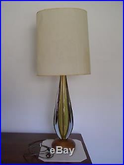 A pair of VENINI MURANO BLOWN GLASS TABLE LAMPS, mounted on walnut bases