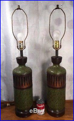 Mid Century Modern Pair Painted Pottery Vase Urn End Table Lamps Pair 32